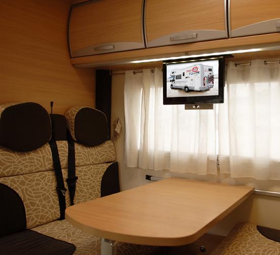Interni camper una collezione di idee per idee di design for Casa interni design