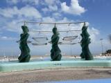 Riccione-fontana-di-fronte-alla-spiaggia